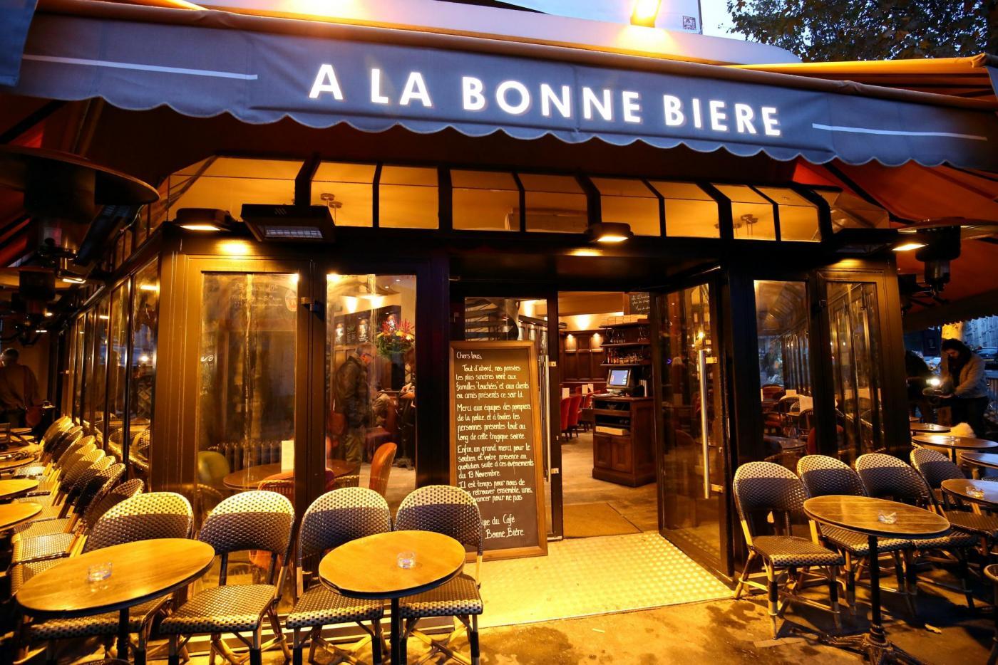 Riapertura del 'Cafe' a la Bonne Bier' dopo l'attacco terroristico del 13 novembre
