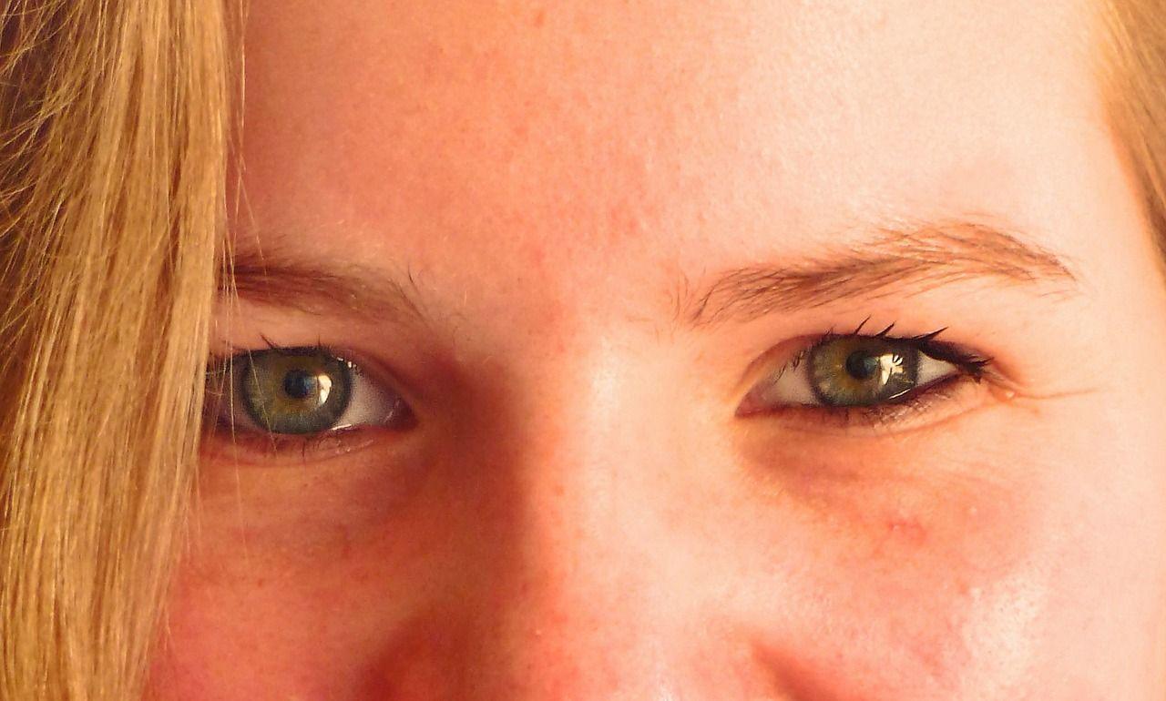 comportamento occhi sguardo