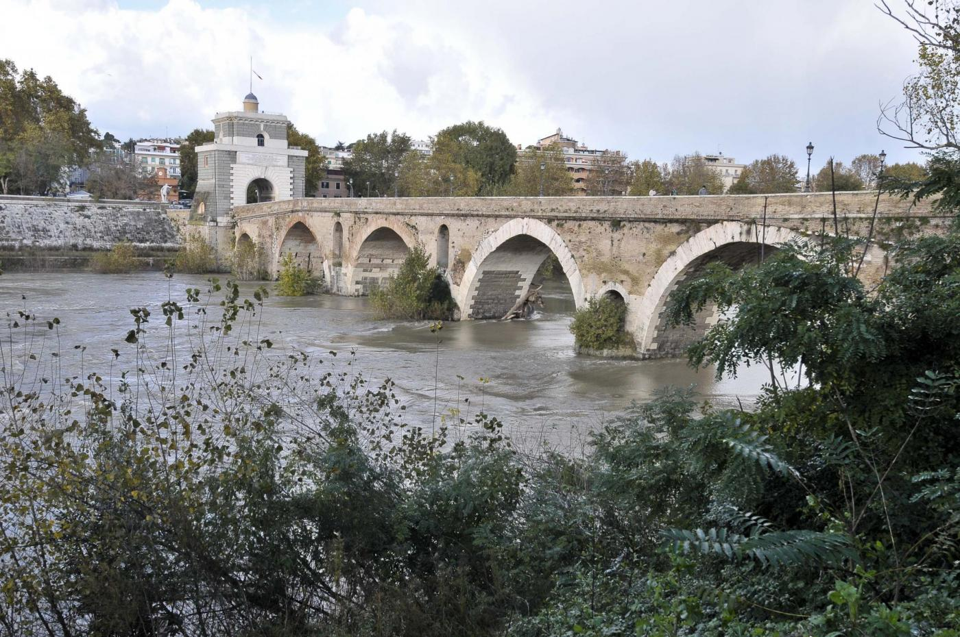 fiume tevere, roma