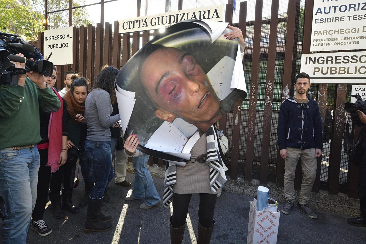 Processo Cucchi in Cassazione, il pg: 'Stefano fu picchiato, annullare l'assoluzione dei medici'