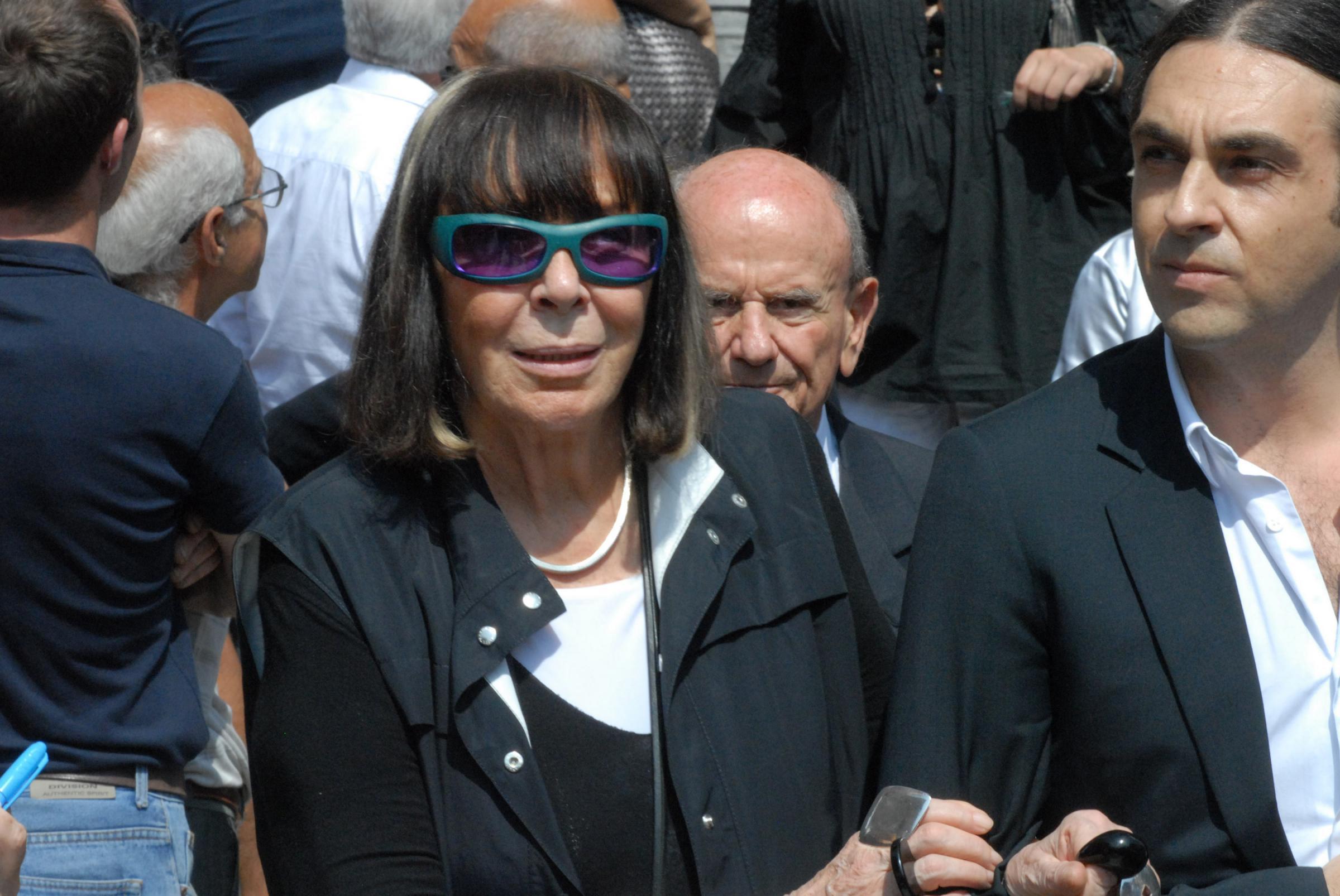 Addio a Krizia: morta la stilista Mariuccia Mandelli, aveva 90 anni