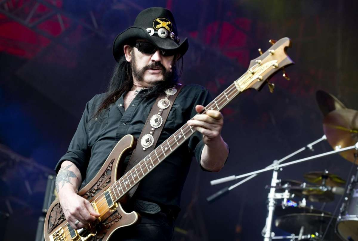 Morto Lemmy Kilmister, fondatore, cantante e bassista dei Motorhead