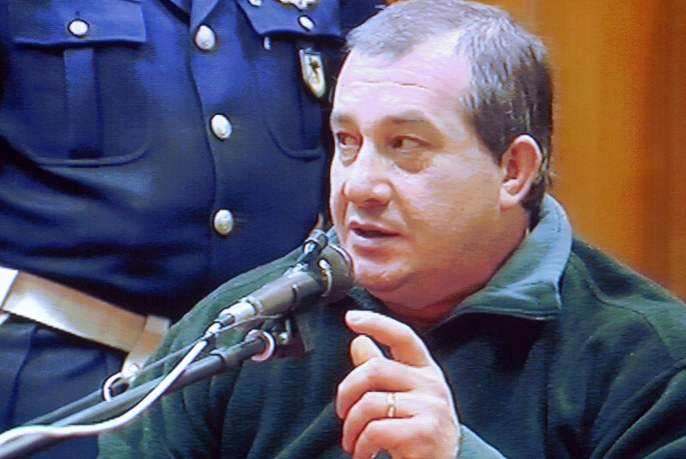 Strage di Erba, Olindo Romano si racconta dal carcere: 'Mi manca mia moglie Rosa'