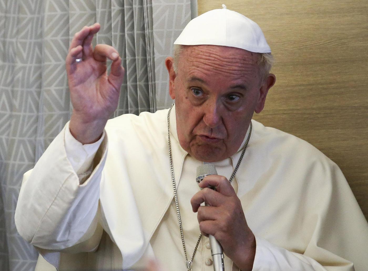Papa Francesco saluta il Centrafrica
