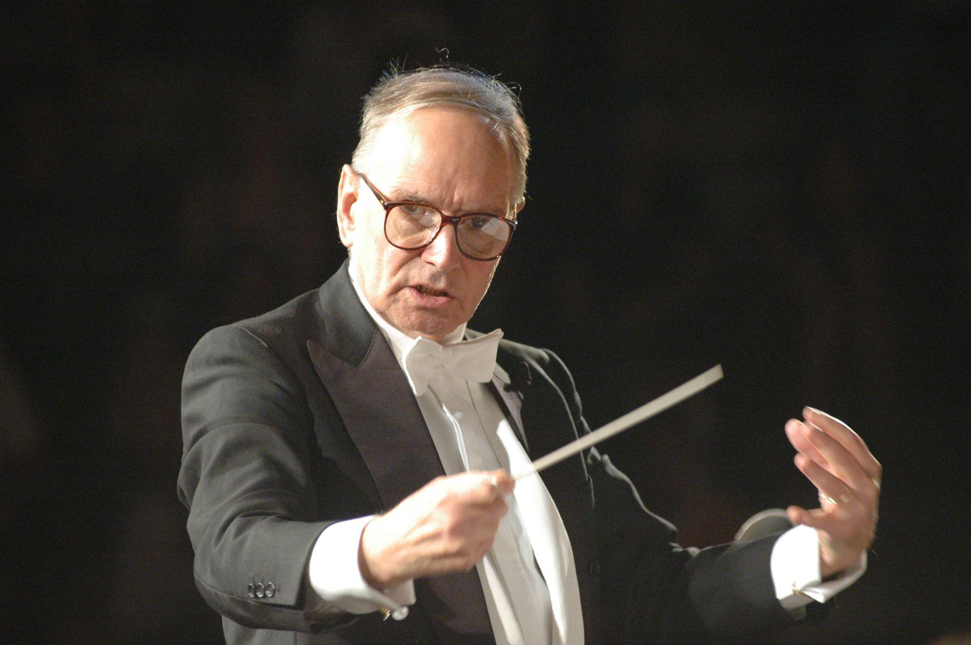 Ennio Morricone malato: stop ai concerti fino a giugno 2016