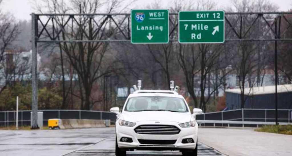Guida autonoma sulla neve: Ford effettua i primi test