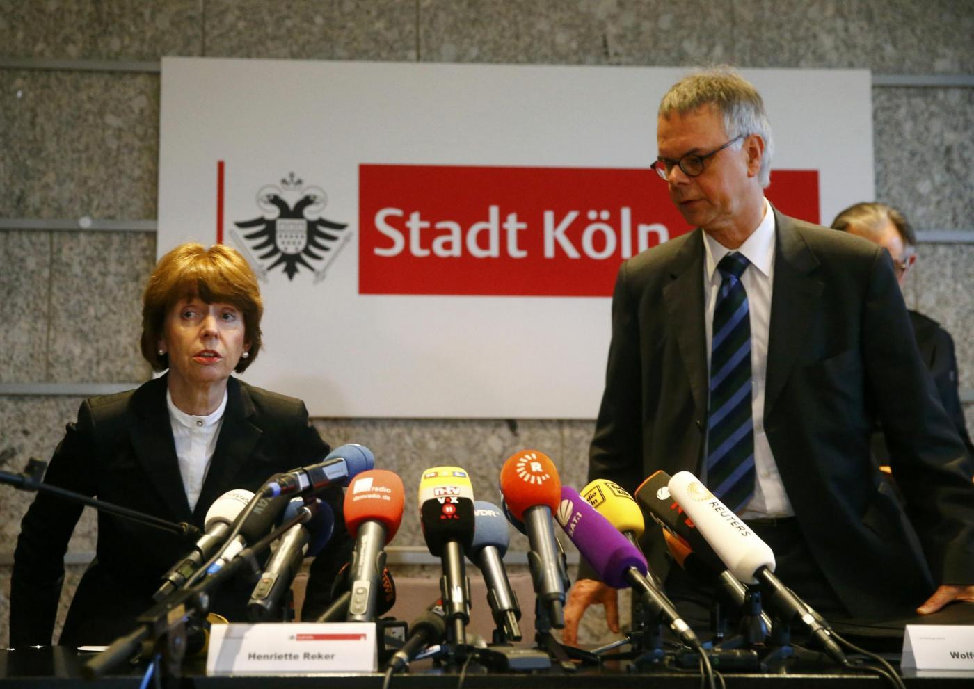 Capodanno a Colonia, 90 denunce per molestie sessuali: conferenza sindaco