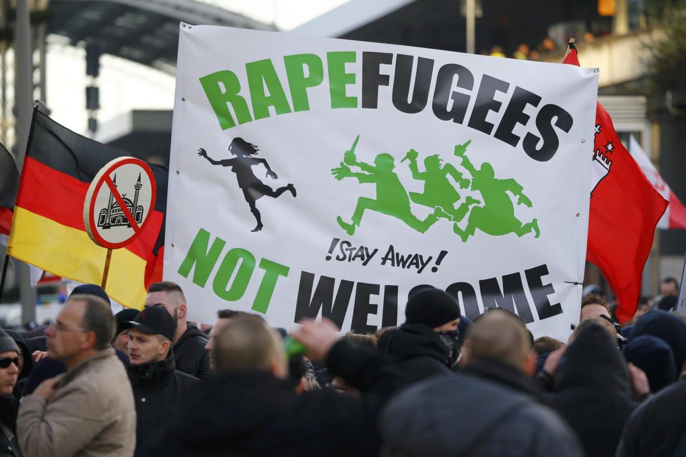 Germania: Doppio corteo a Colonia