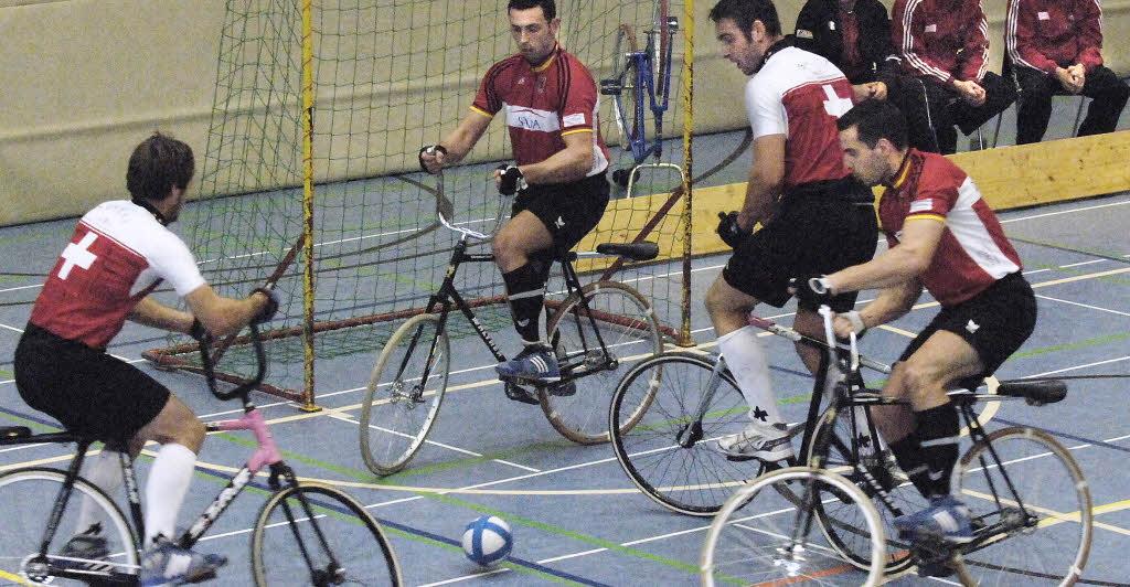 Radball: il calcetto in bici che fa impazzire il web