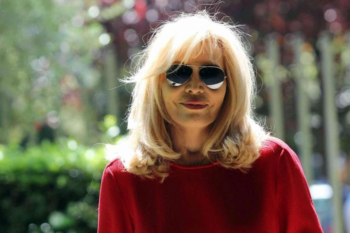 Amanda Lear e David Bowie: 'Sono stata due anni con lui, mi ha scombussolato la vita'