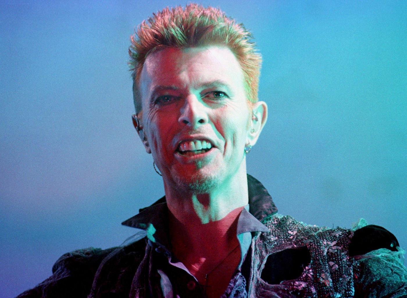 David Bowie: canzoni famose del Camaleonte del Rock, da Space Oddity a Heroes
