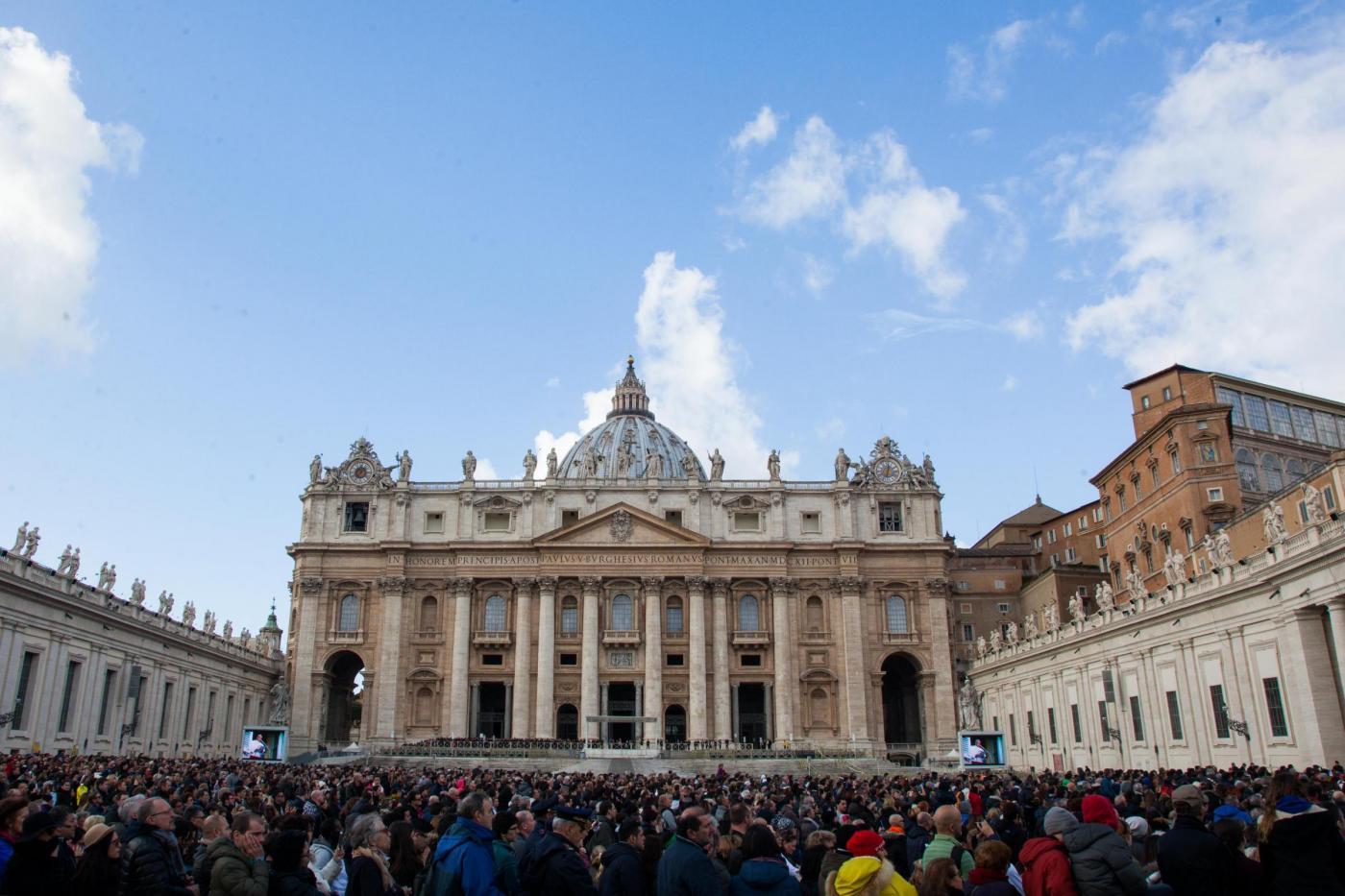 Papa Francesco recita il tradizionale Angelus domenicale