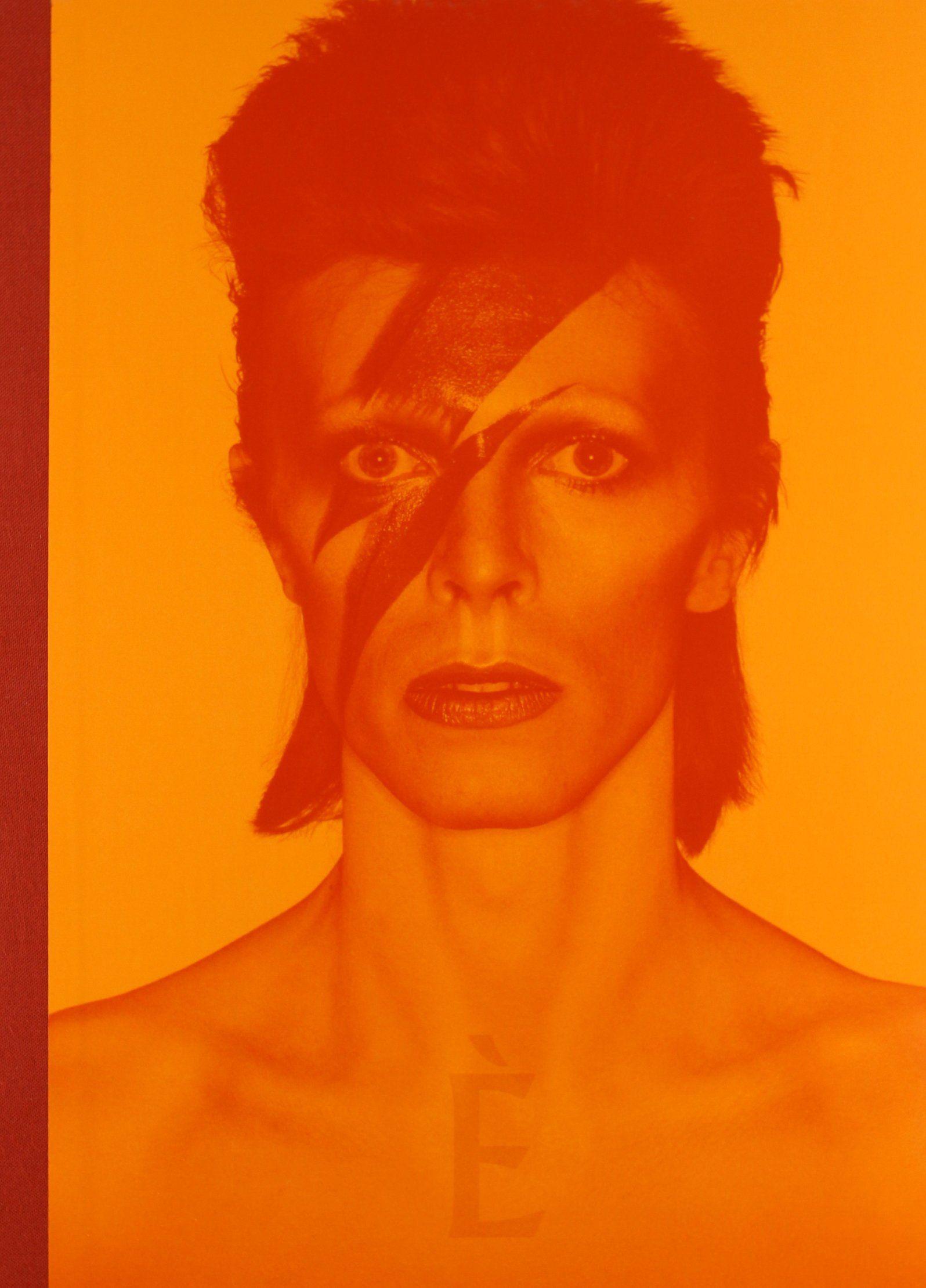 David Bowie: 5 libri per ricordare il 'camaleonte del rock'