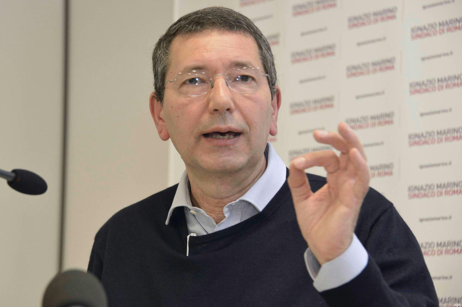 """Marino contro Renzi: """"Non sarò alle primarie"""""""