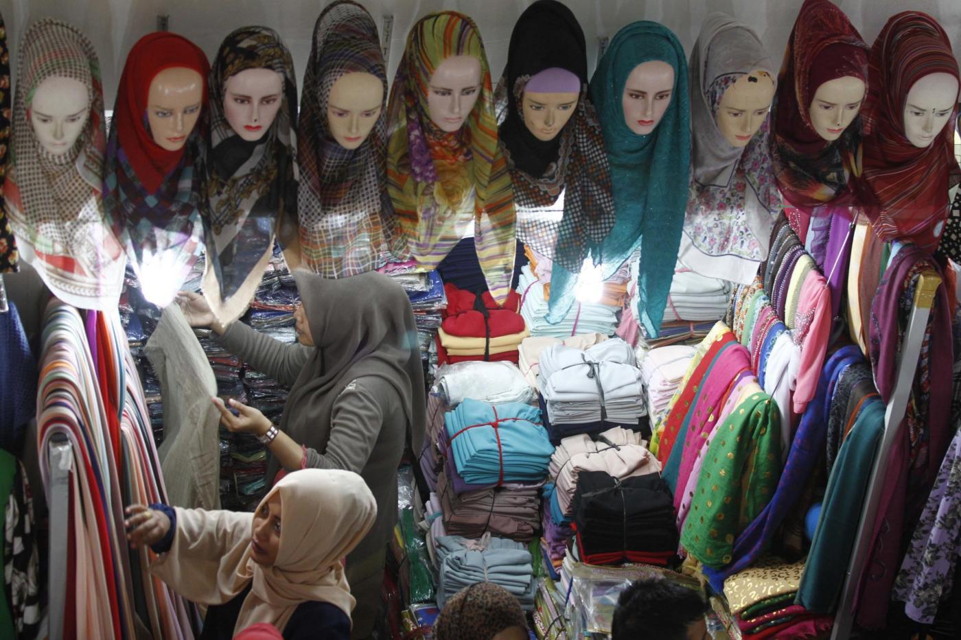 World Hijab Day: il velo è simbolo di libertà o di controllo del corpo delle donne?