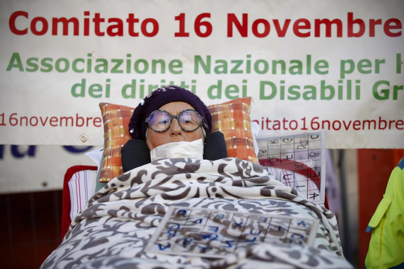 Manifestazione dei malati di Sla davanti al Ministero dell'Economia