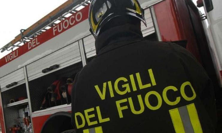 Palermo disoccupato di dà fuoco