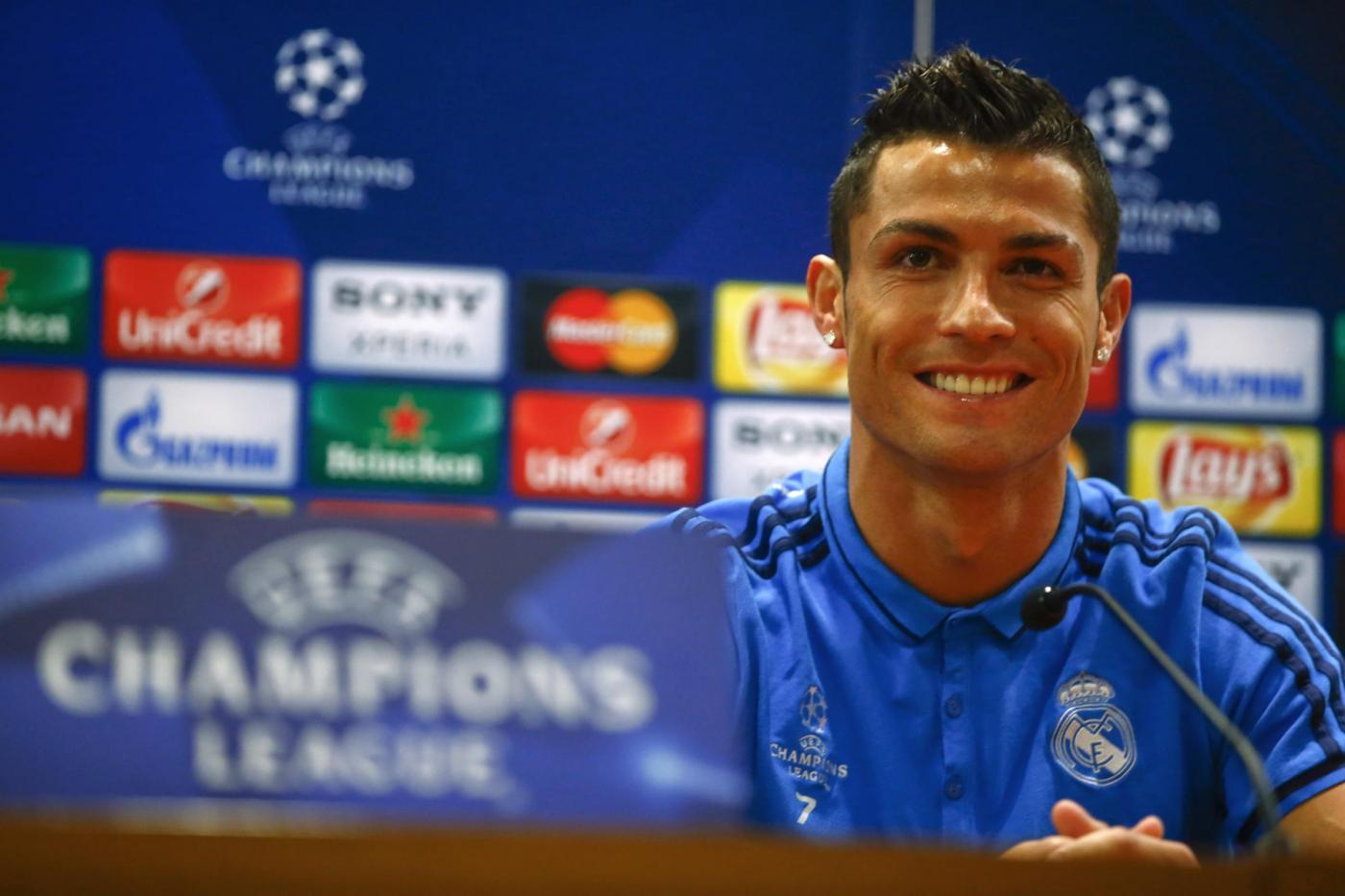 Real Madrid in allenamento e in conferenza per la sfida di Champions con la Roma