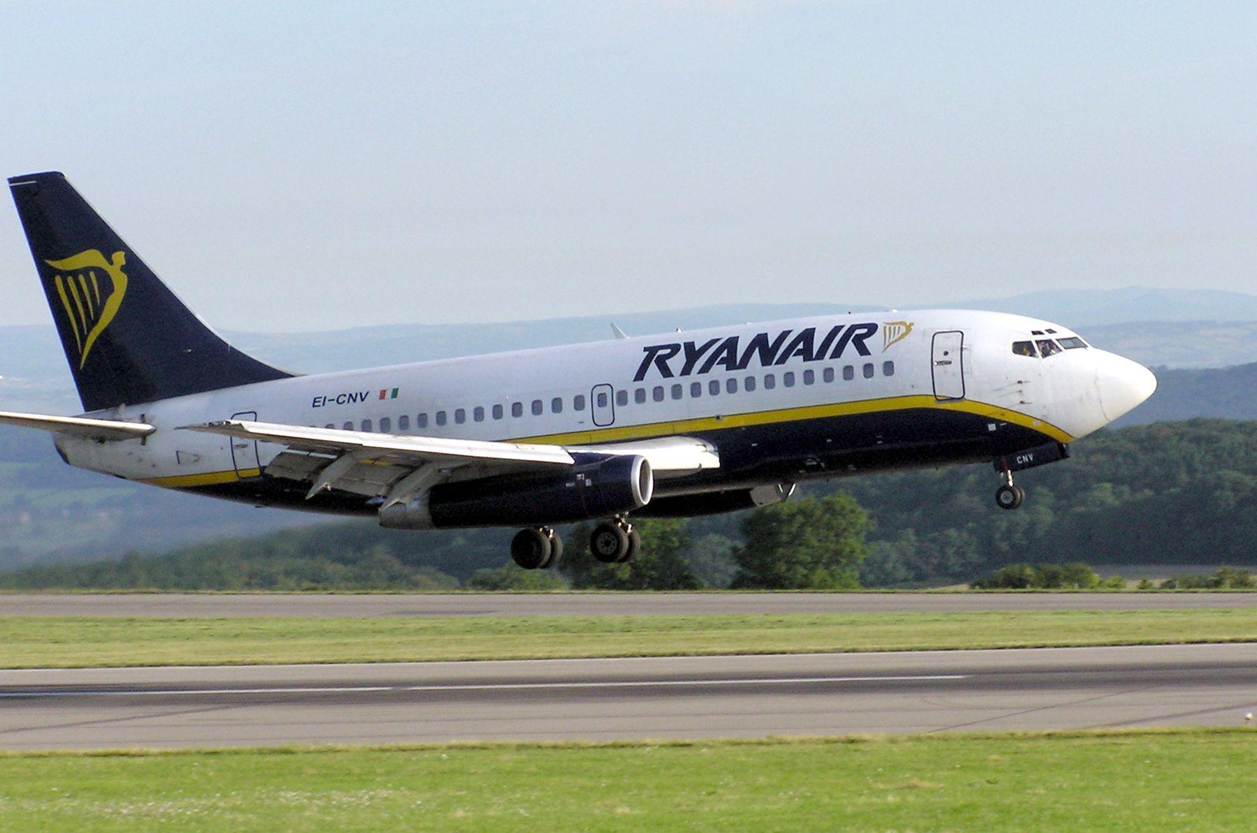 Ryanair chiude in Italia due basi e alcune rotte, per il caro tariffe