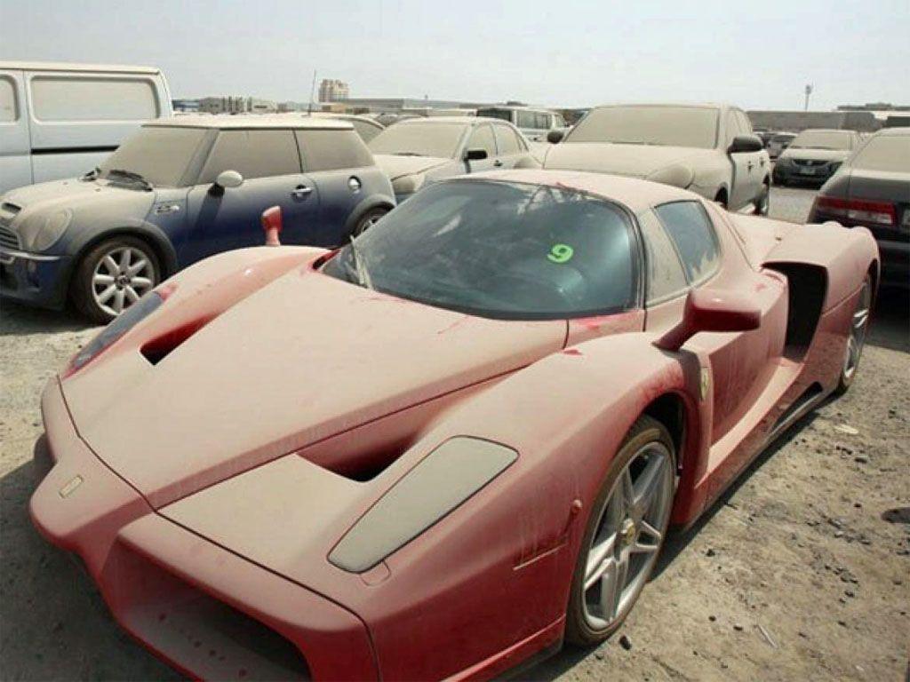 Ferrari Enzo abbandonata: il triste destino di una supercar a Dubai