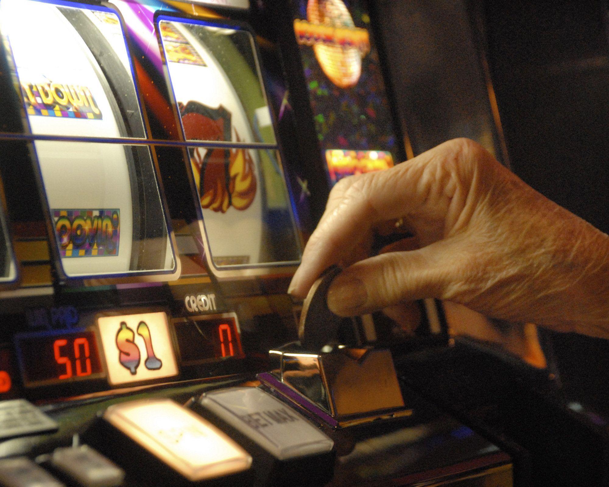 Gioco d'azzardo, come lo Stato si arricchisce sulla pelle degli italiani