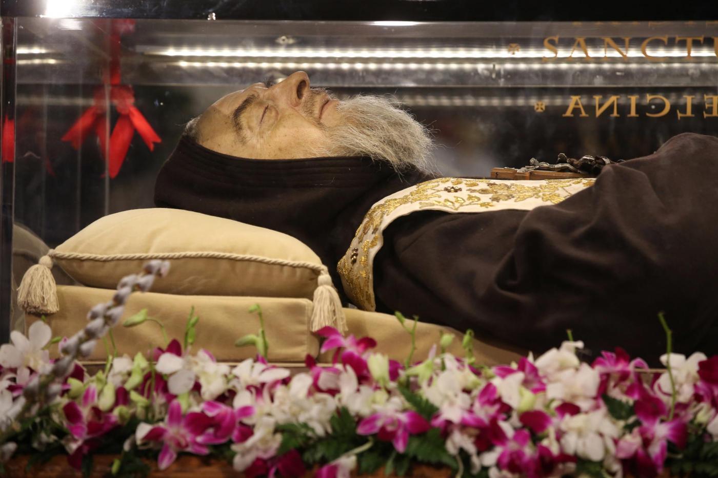 Padre Pio a Roma per il Giubileo rischia di cadere