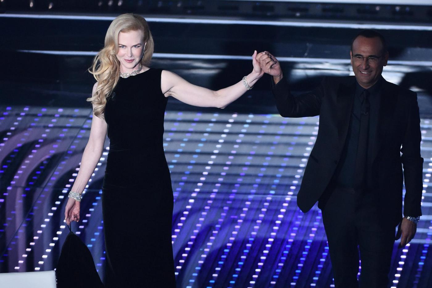 Nicole Kidman a Sanremo 2016: l'attrice incanta l'Ariston e Carlo Conti