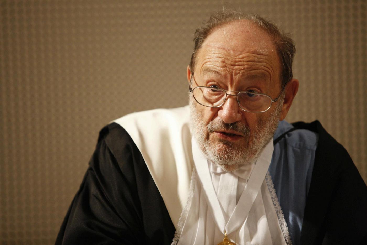 Umberto Eco: il libro postumo Pape Satàn Aleppe in vendita dal 26 febbraio 2016