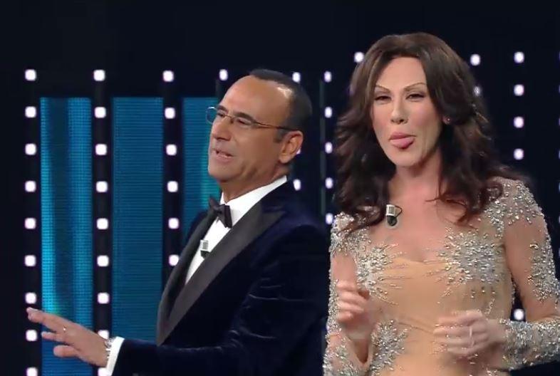 Virginia Raffaele imita Sabrina Ferilli a Sanremo 2016 e 'spaventa' Carlo Conti