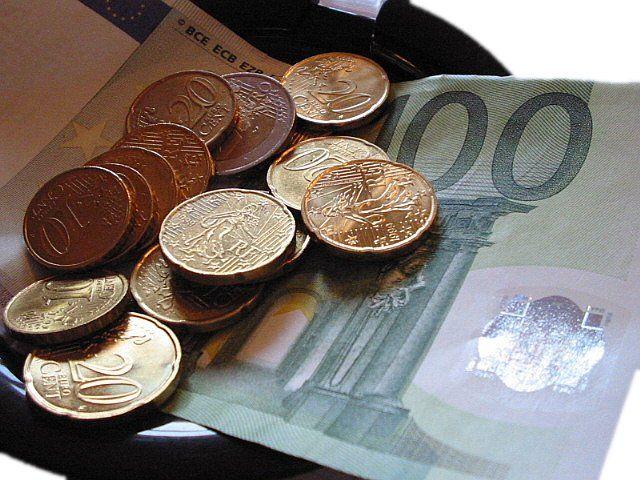 Evade il fisco per 10 centesimi: multato barista di Trieste