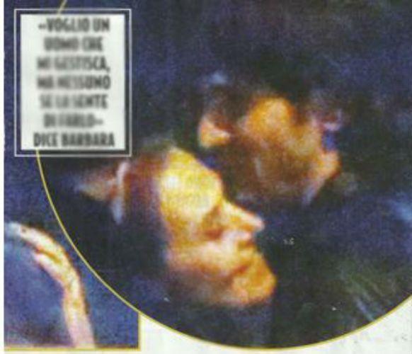 Barbara D'Urso abbraccia un amico misterioso: nuovo amore per la conduttrice?
