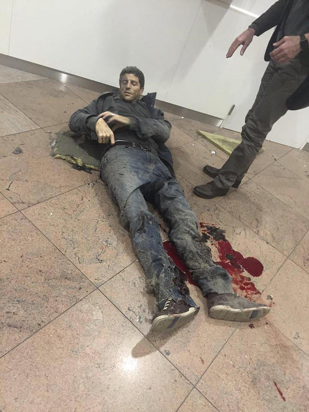 Attentato Bruxelles: la foto simbolo è di Sebastien Bellin, ex campione di basket