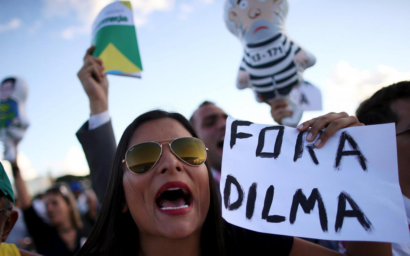 Brasile protesa contro il governo