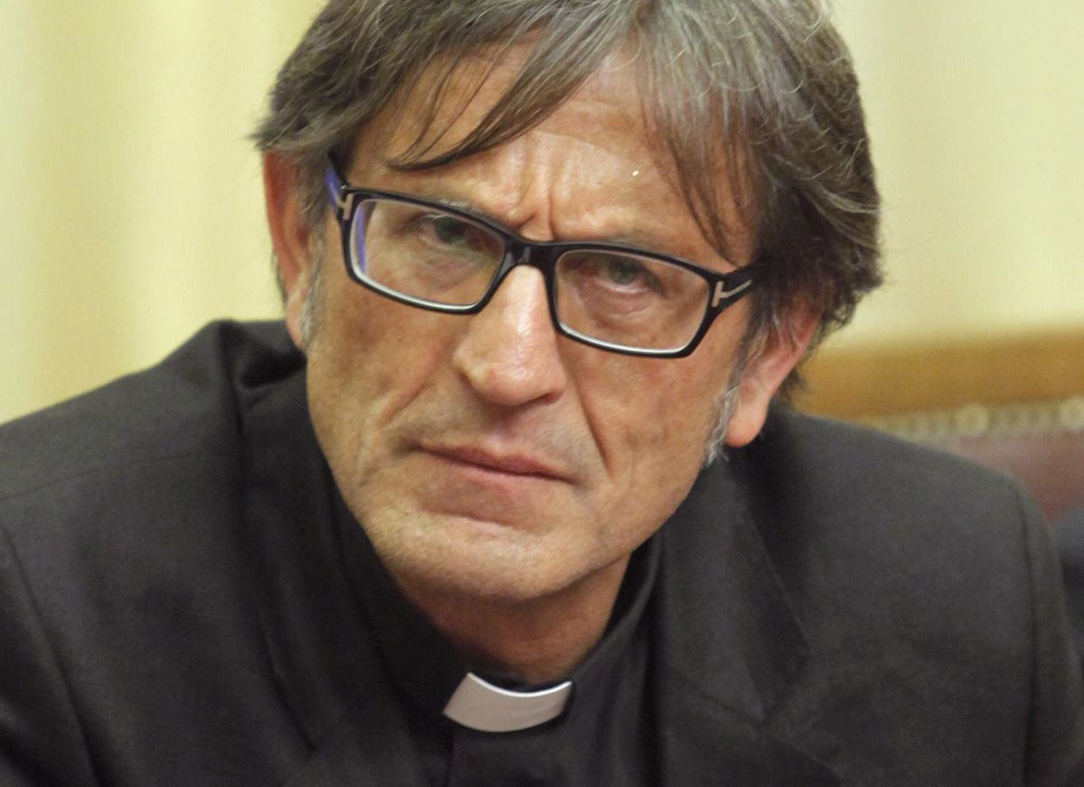 Don Aniello Manganiello: «I vecchi clan si stanno alleando contro la paranza dei bambini» – INTERVISTA