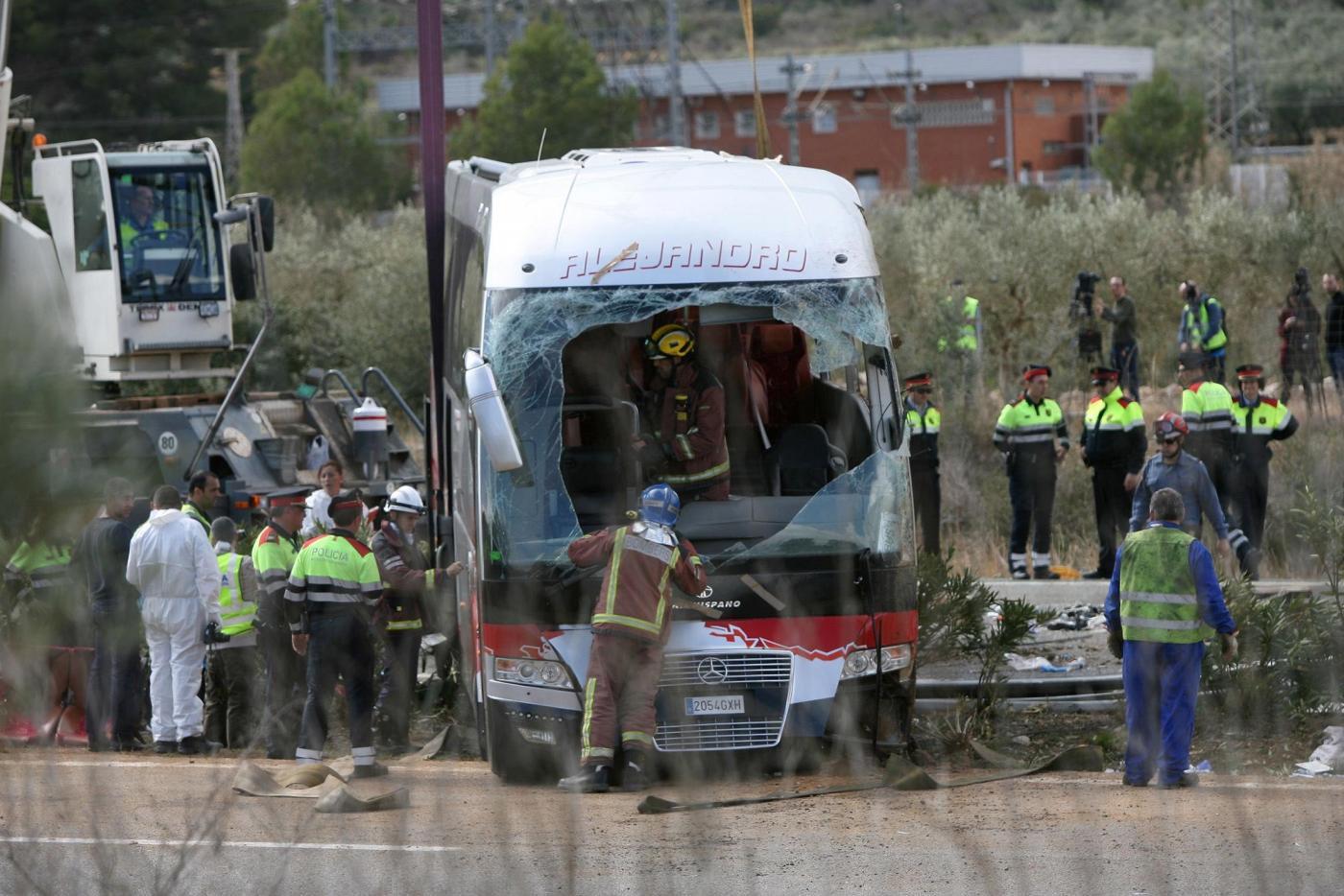 Spagna si schianta bus di studenti erasmus a Tarragona
