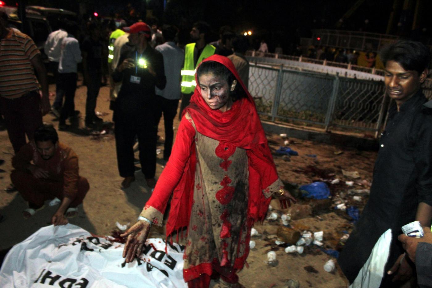 Attentato in un parco a Lahore in Pakistan