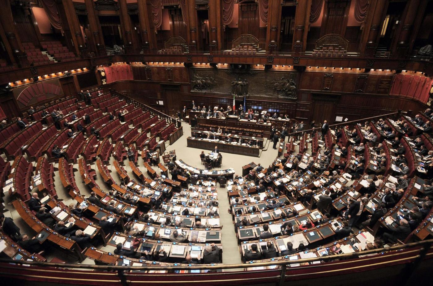 I redditi dei parlamentari quanto guadagnano i politici for Lista politici italiani