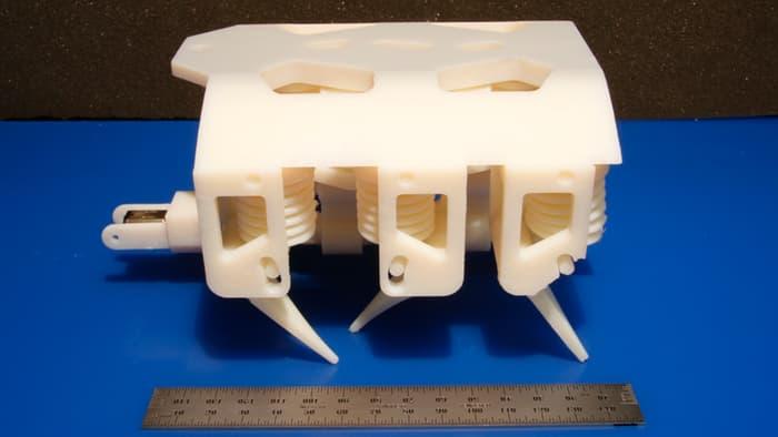 Robot 3D solido liquido