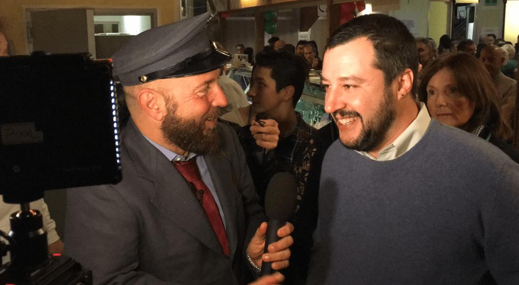 Matteo Salvini a C'è posta per te: risate con Ezio Greggio ed Enzo Iacchetti