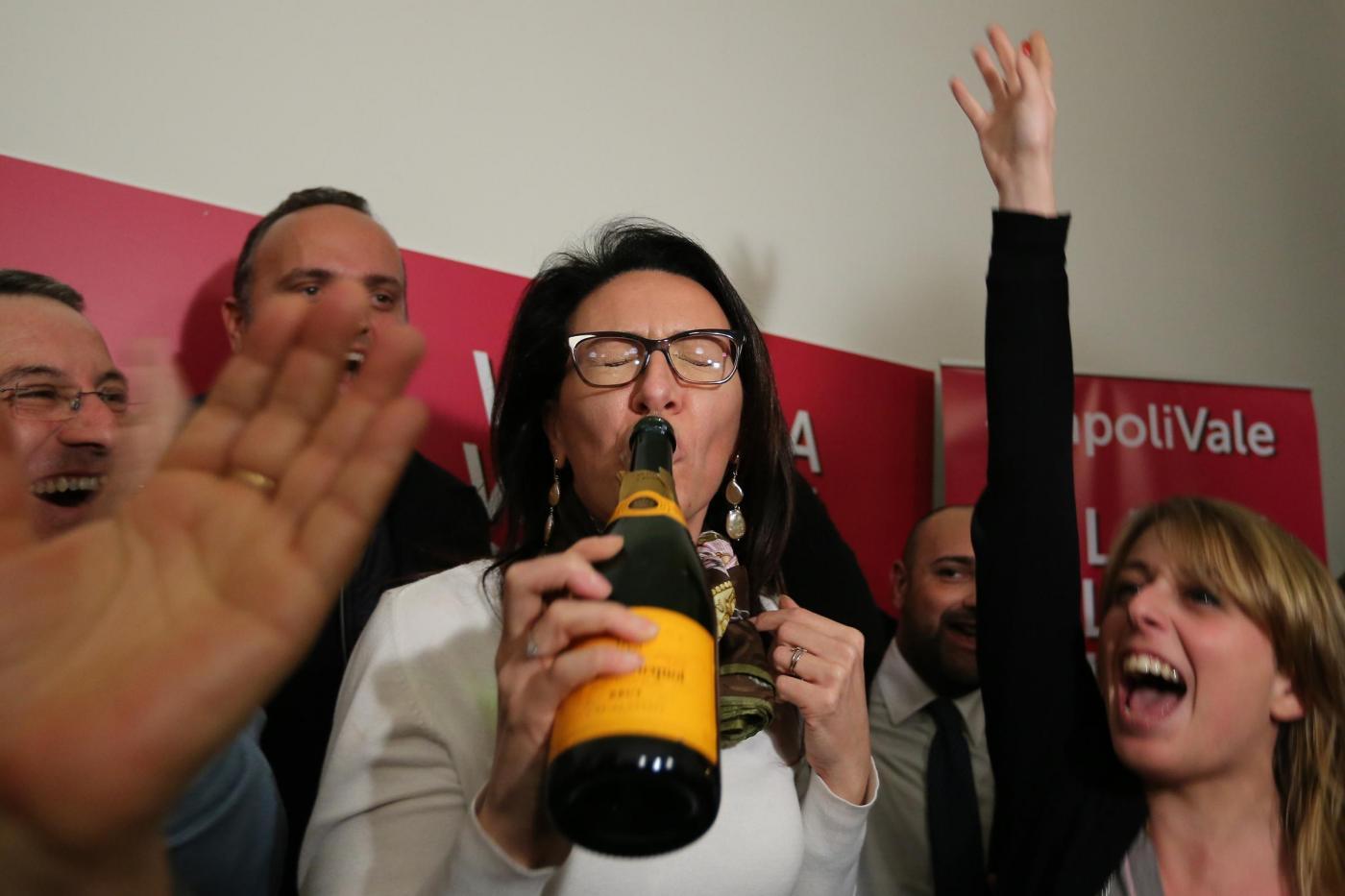 Valeria Valente vince le primarie del centro sinistra a sindaco di Napoli