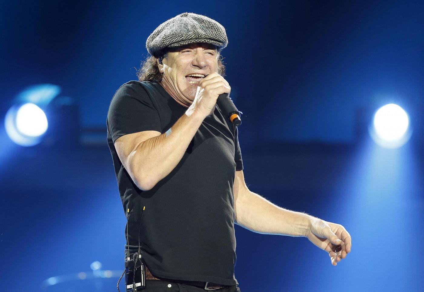 AC/DC, Brian Johnson è quasi sordo: il cantante costretto a lasciare la band