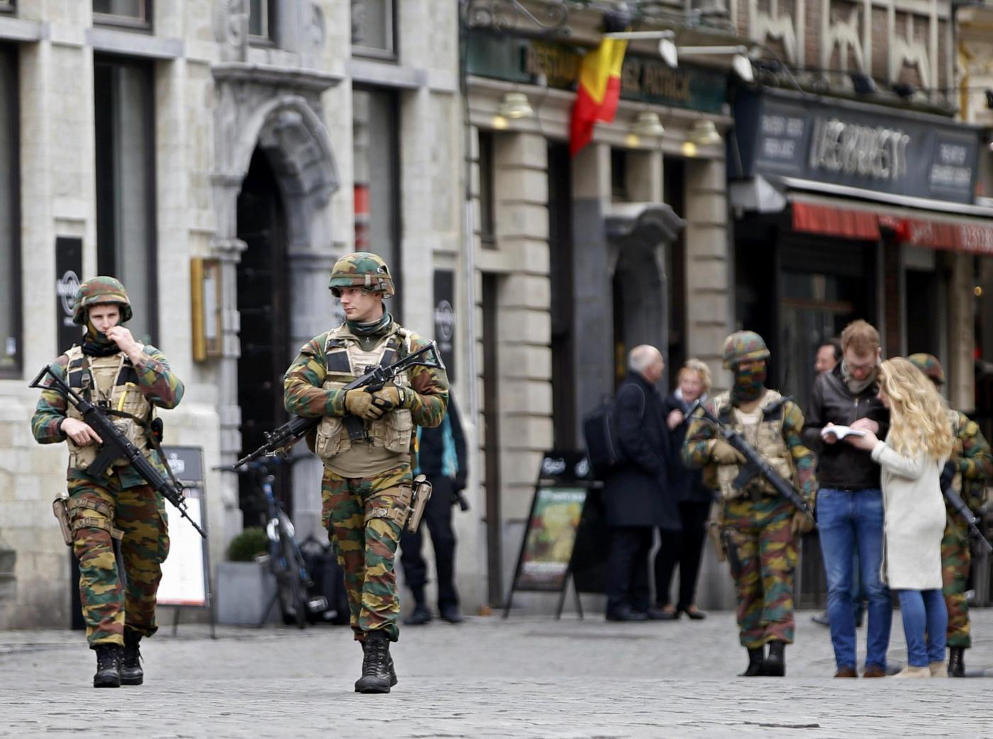 Un minuto di silenzio a Bruxelles per le vittime degli attentati