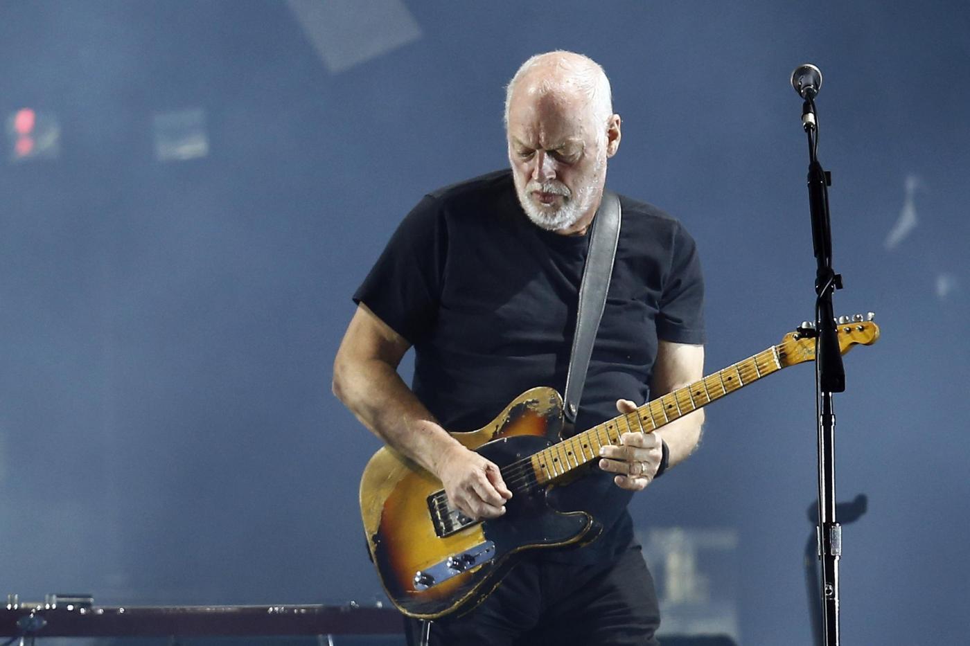 David Gilmour a Pompei, concerti per soli ricchi: ogni biglietto costerà 300 euro