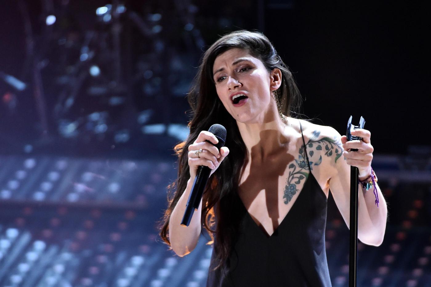 Elisa, la cantante ricorda il padre scomparso: 'Aveva due famiglie, lo vedevo poco'