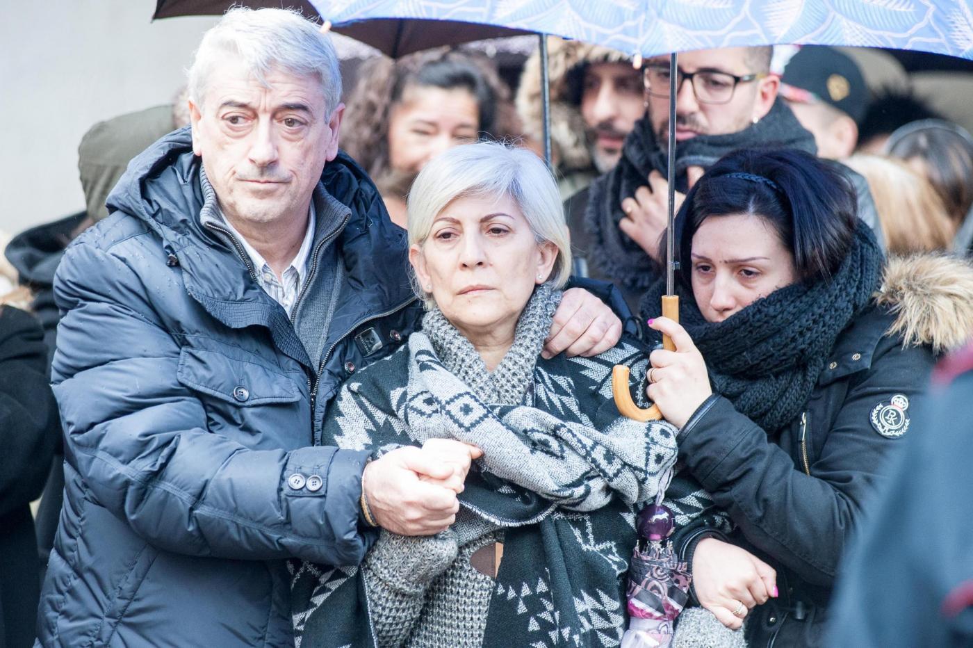 Italiani uccisi in Libia, i funerali di Failla e Piano: lomaggio dei colleghi Pollicardo e Calcagno