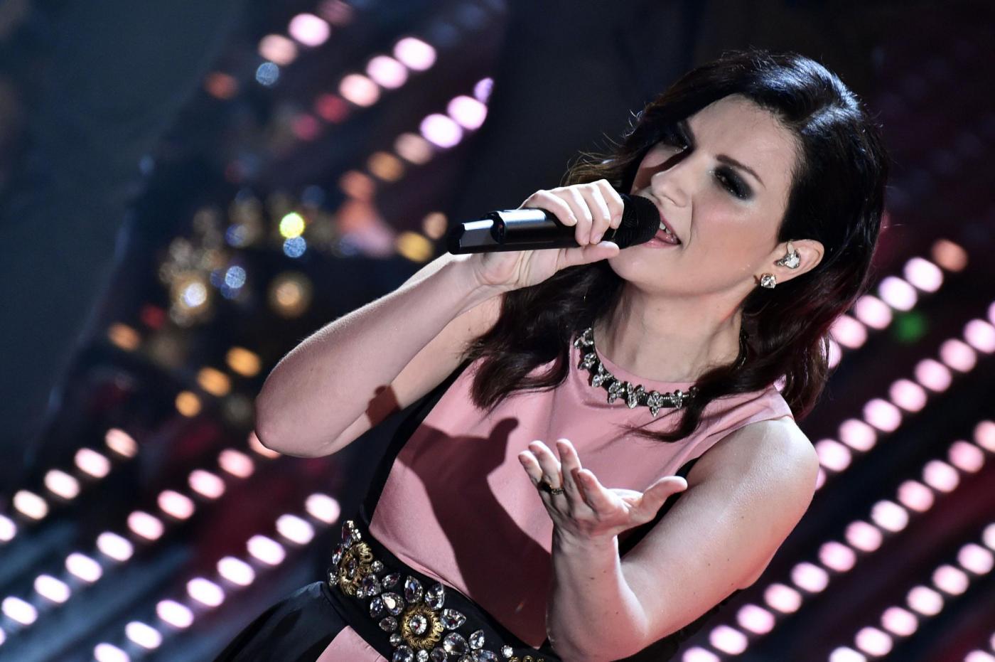 Laura Pausini, la figlia Paola canta Frozen e incanta i fan su Instagram