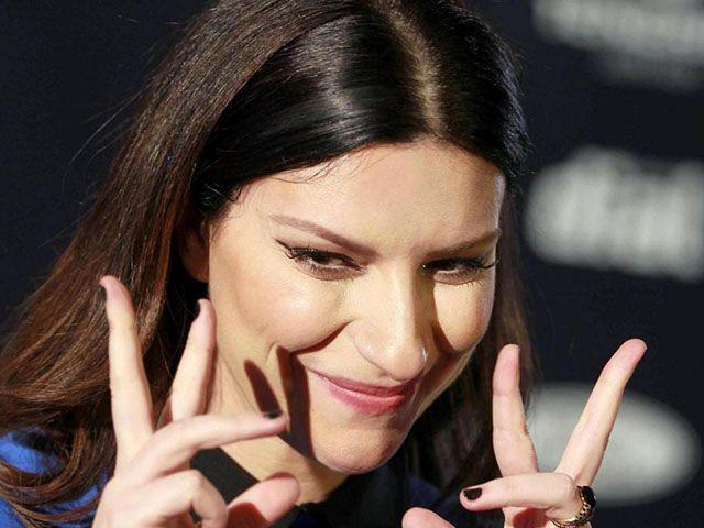 Laura Pausini, Innamorata: in radio il nuovo singolo dance scritto da Jovanotti