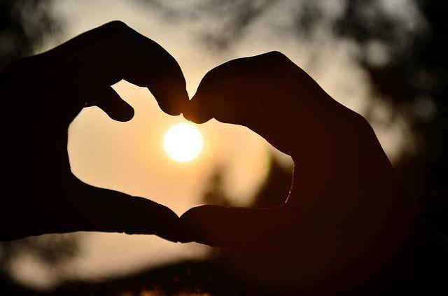 mani fredde amore