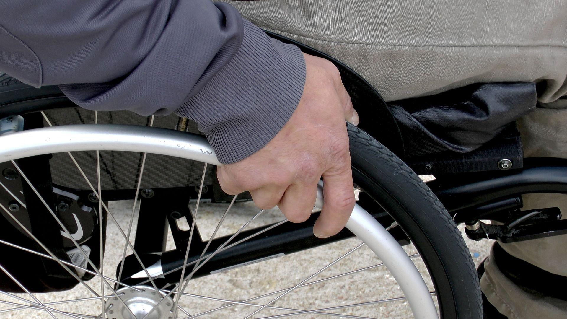 paralizzato torna a camminare