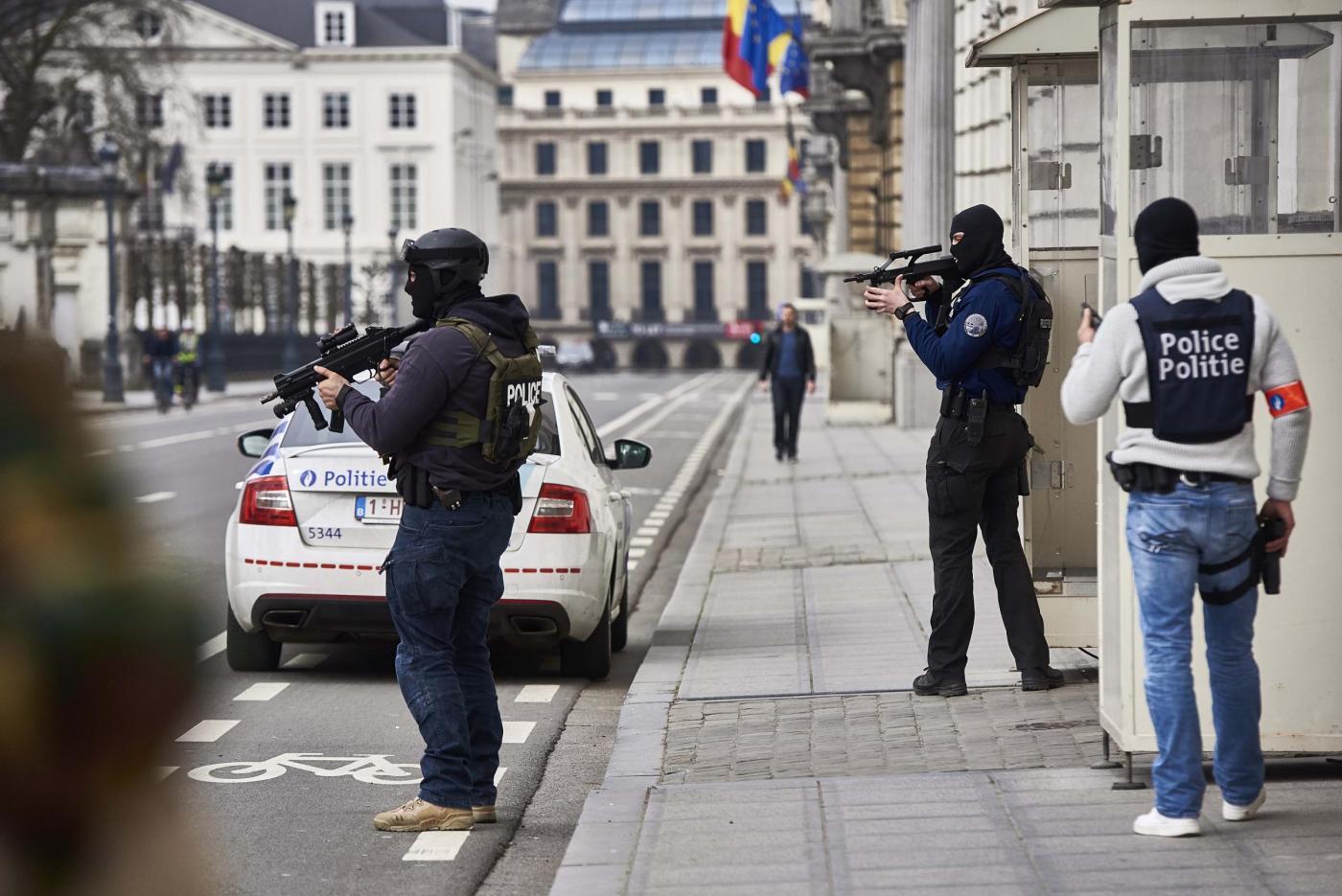 Bruxelles sotto attacco: kamikaze in aeroporto e bombe nel metr